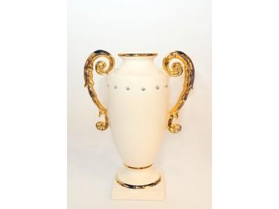 Vaza su auksinėmis rankenomis