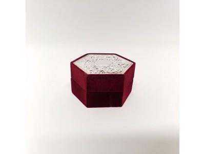 Veliūrinė papuošalų dėžutė