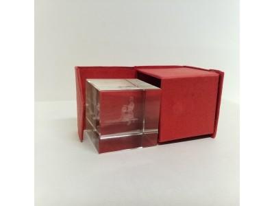 "Stiklo kubas su 3D zodiako ženklu ""Vandenis"""