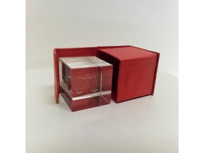 """Stiklo kubas su 3D zodiako ženklu """"Svarstyklės"""""""