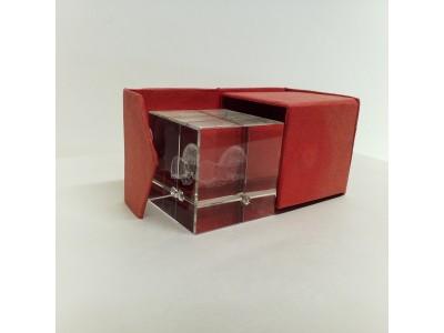 "Stiklo kubas su 3D zodiako ženklu ""Liūtas"""