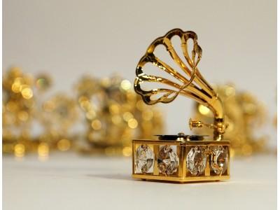 Gramofonas - statulėlė su Swarovski kristalais