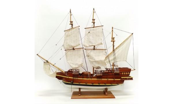Medinis dekoratyvinis laivas