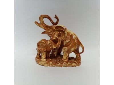 Statulėlė - du drambliai
