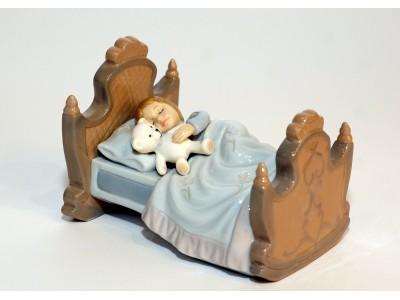 Statulėlė - mieganti mergaitė