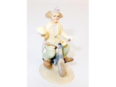 Statulėlė - klounas ant dviratuko